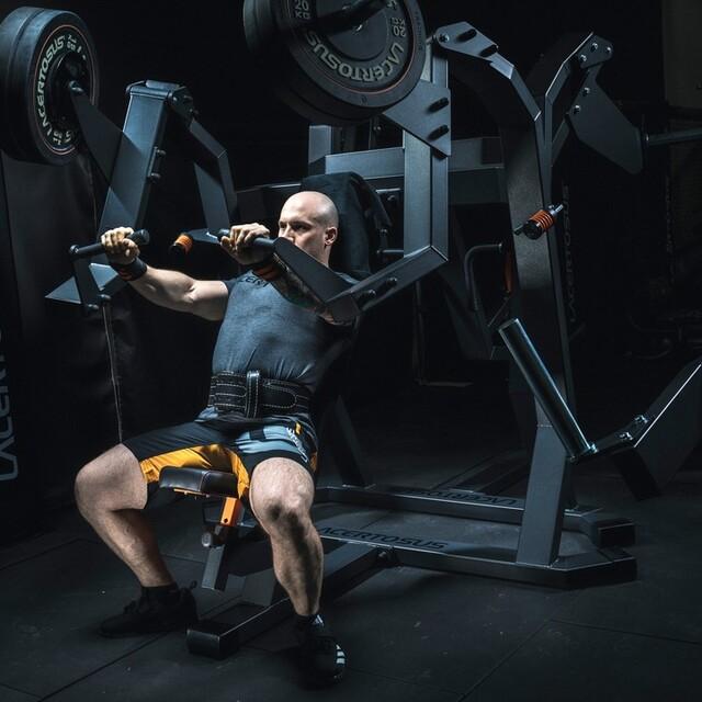 ⚫️Chest Press Clubline⚫️#lacertosus #lacertosusequipment #lacertosustyle #passion #motivation #quality #design #style #homegym #garagegym #homeworkout #garageworkout #gymmotivation #gym #training #palestraacasa #allenamentoacasa #hometraining #crossfit #allenamentofunzionale #crosstraining #functionaltraining #muscle #dumbellworkout #dumbell #manubri #dischi #bumper #chestpress💻Web: www.Lacertosus.com ✉Preventivi e informazioni: info@lacertosus.com 🚚Trasporti attivi in tutta Italia ed estero ➡️Taggaci nelle tue foto @lacertosus_equipment