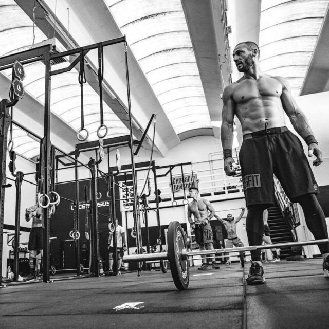 Il vostro box, le vostre regole, il nostro stile💪 #poweredbylacertosus🇬🇧 Your box, your rules, our style#lacertosus #lacertosusequipment #style #passion #quality #wod #wodoftheday #wodcrossfit #crossfit #crossfitlife #crossfititalia #crosstraining #allenamentofunzionale #functionaltraining #bodybuilding #powerlifting #training #workout #workoutmotivation #fitness #fit #gym #bilanciereolimpionico #bumper #rack #calisthenics #palestra #palestraitalia💻Web: www.Lacertosus.com ✉Preventivi e informazioni: info@lacertosus.com 🚚Trasporti attivi in tutta Italia ed estero ➡️Taggaci nelle tue foto @lacertosus_equipment
